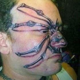 Паук на лице в стиле 3д - объемная татуировка