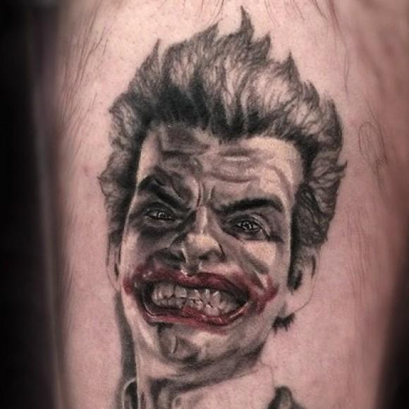 Джокер - тату на голени парня