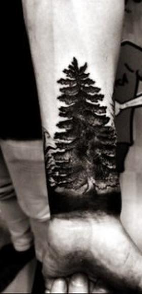 Тату лес на руке черная 139