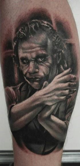 Татуировка на голени парня - джокер