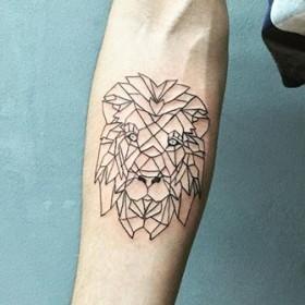 татуировки для девушек на латыни и их значение фото