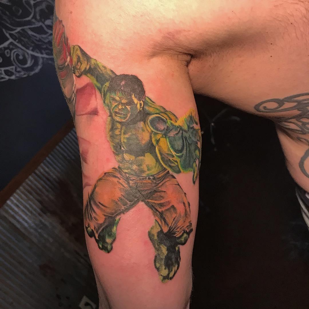 Фото татуировок на бицепс