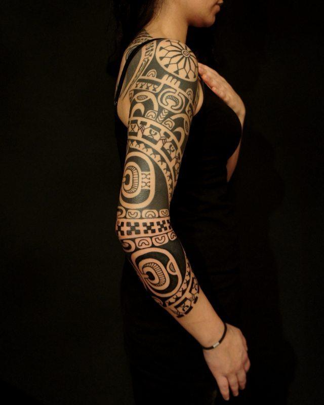 фото тату в стиле полинезия