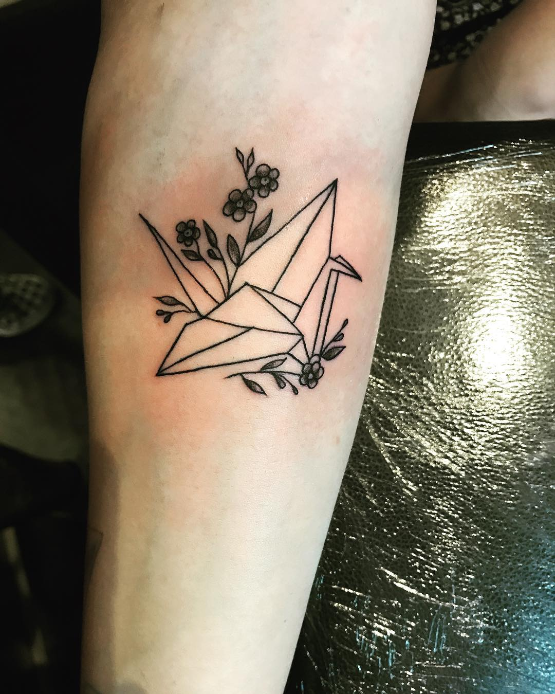 Тату оригами журавль акварель