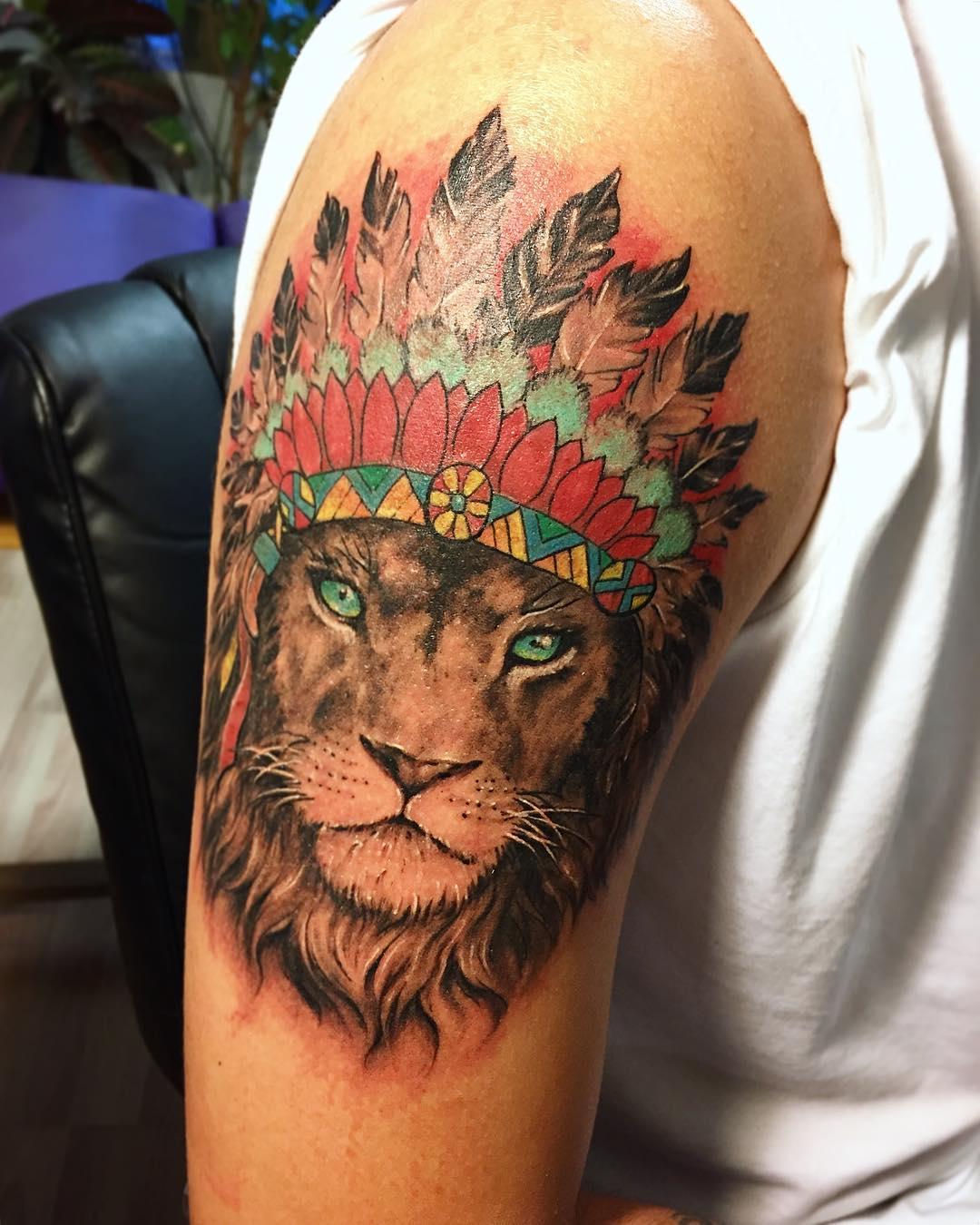 татуировка под мышкой фото
