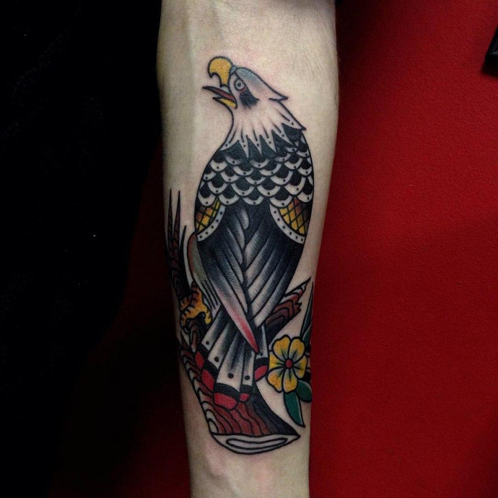 Тату орла на руке мужские