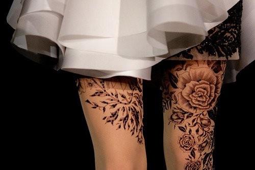 Большие татуировки на ногах фото
