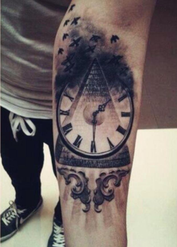 Татуировки пирамида с часами и вороном
