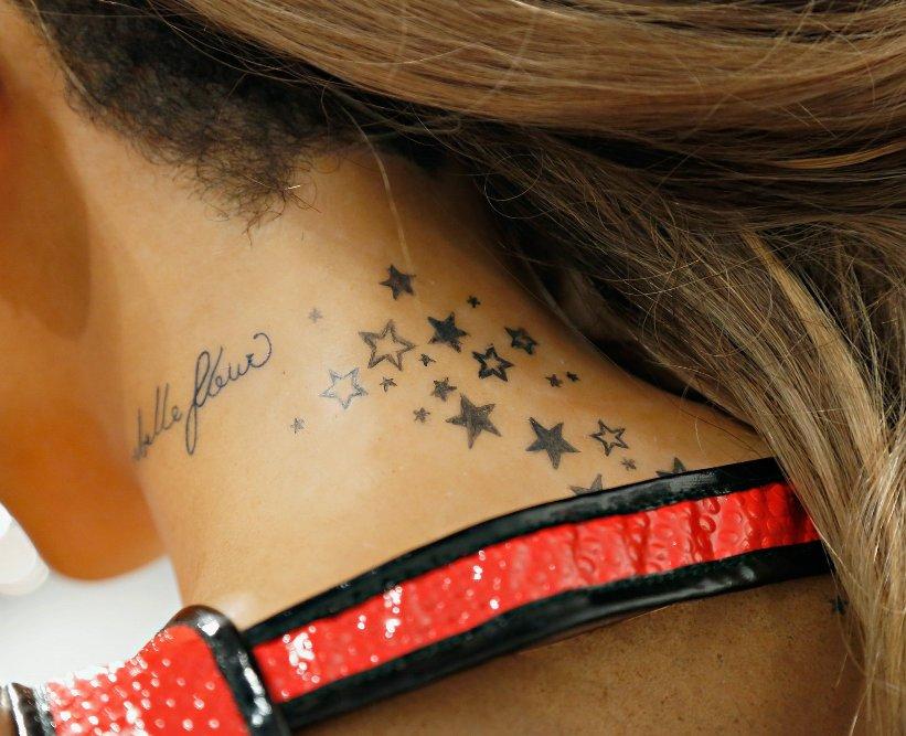 фото тату на шее звёздочки