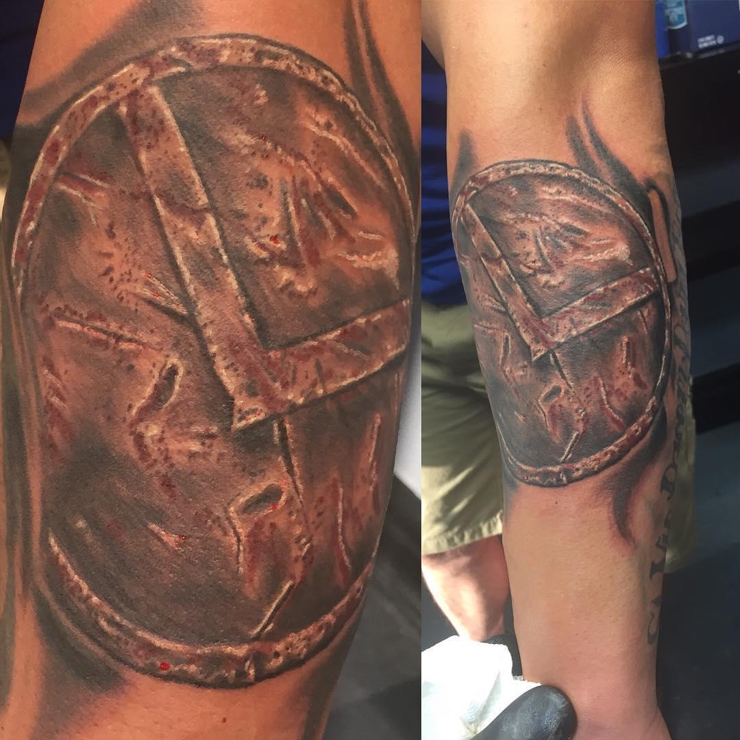 Яглыч татуировка на руке фото