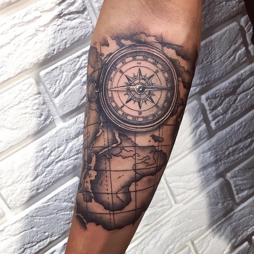 Тату предплечье карта компас