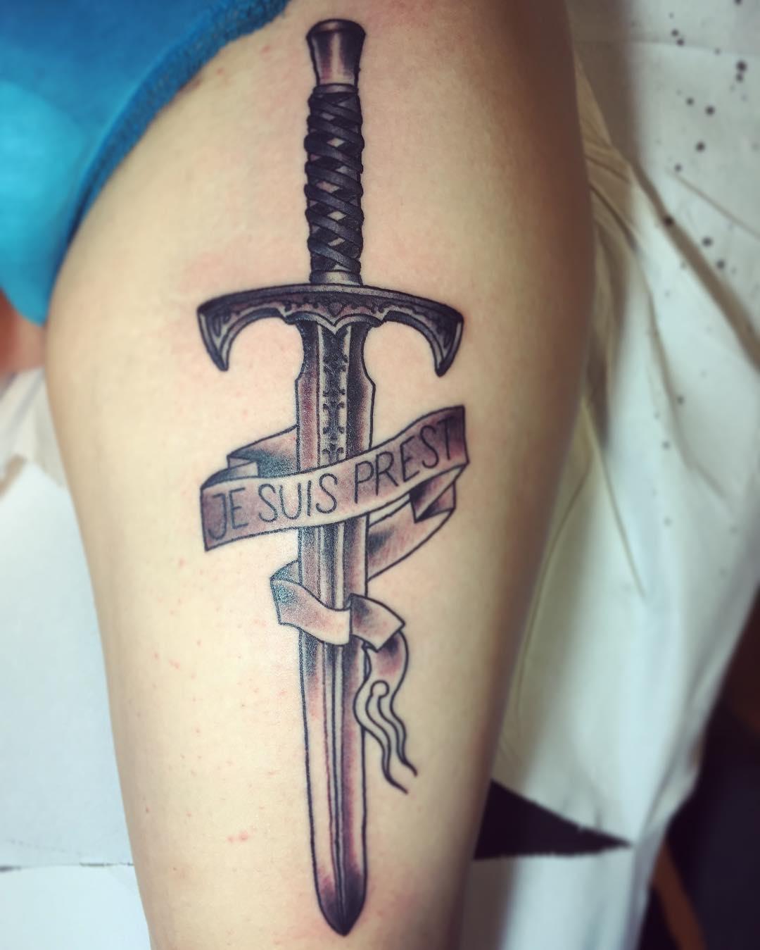 Фото на тату меч