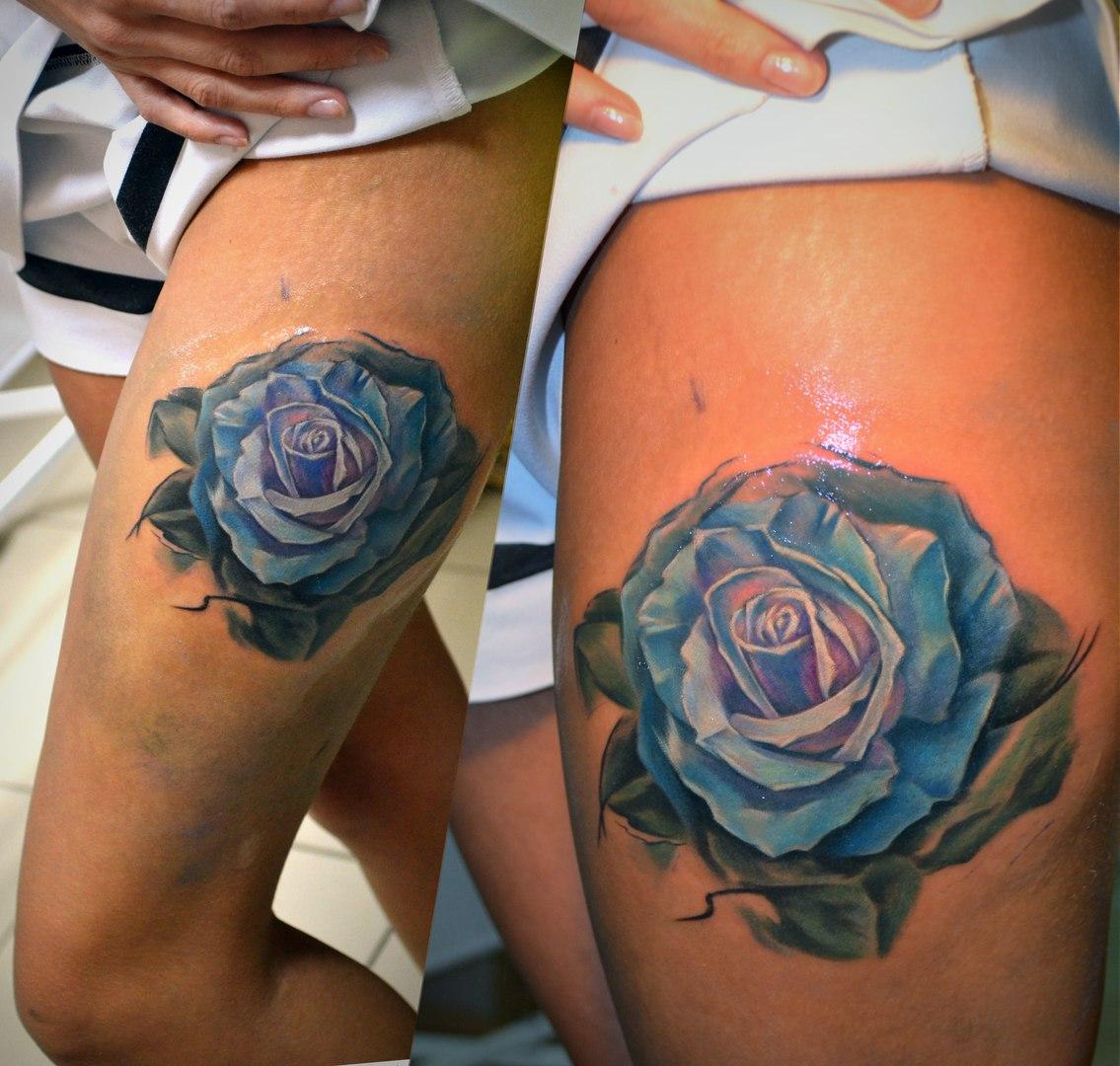 Татуировки розы на бедрах для девушек фото