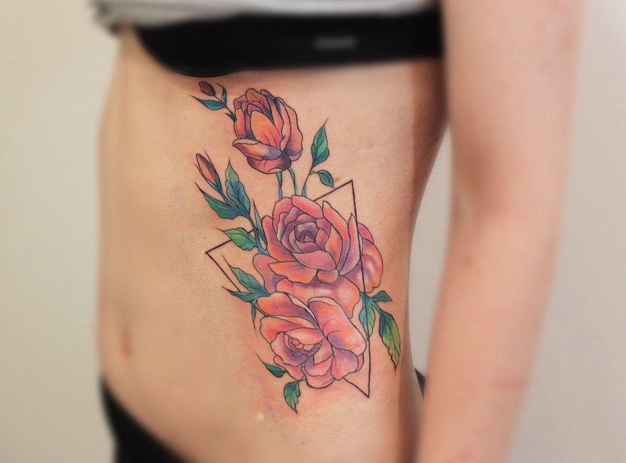 Татуировки цветы фото у девушек фото