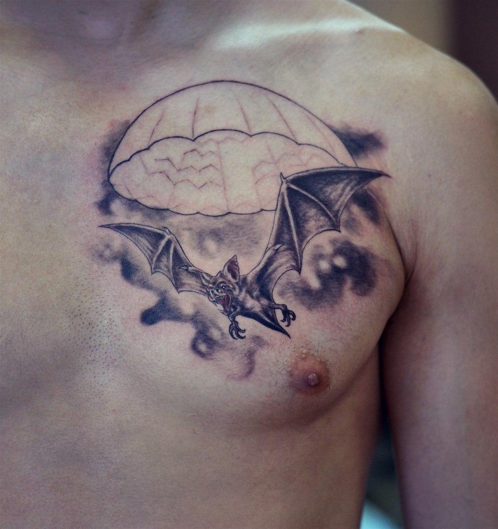 татуировки летучая мышь с черепом значение