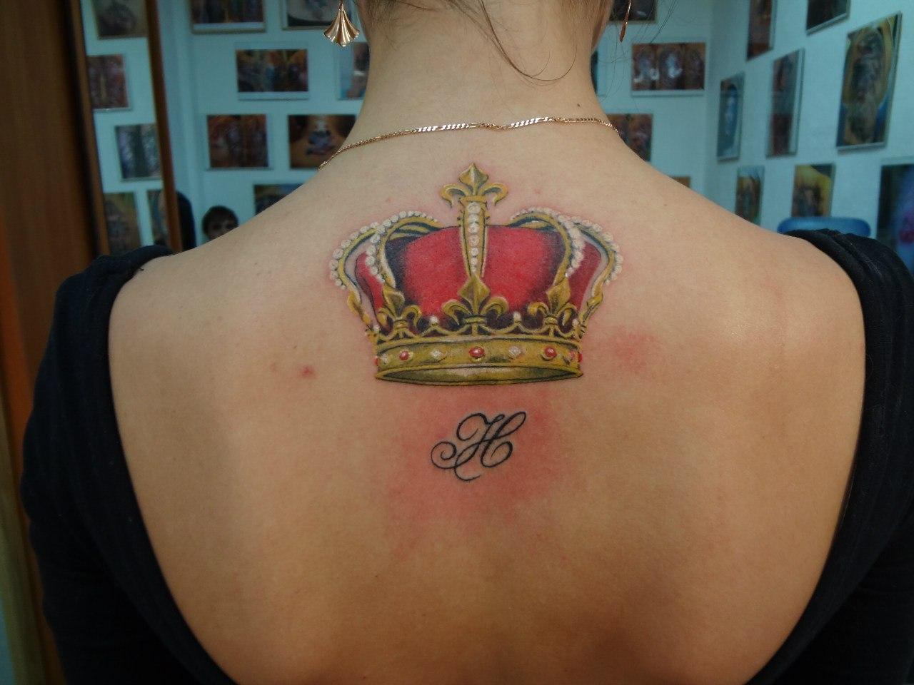 Фото цветные тату корона на