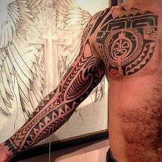 Тату рукав в стиле полинезия
