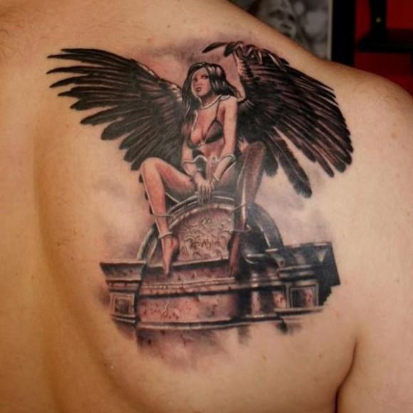 фото тату ангел на лопатках ходу матча сумели