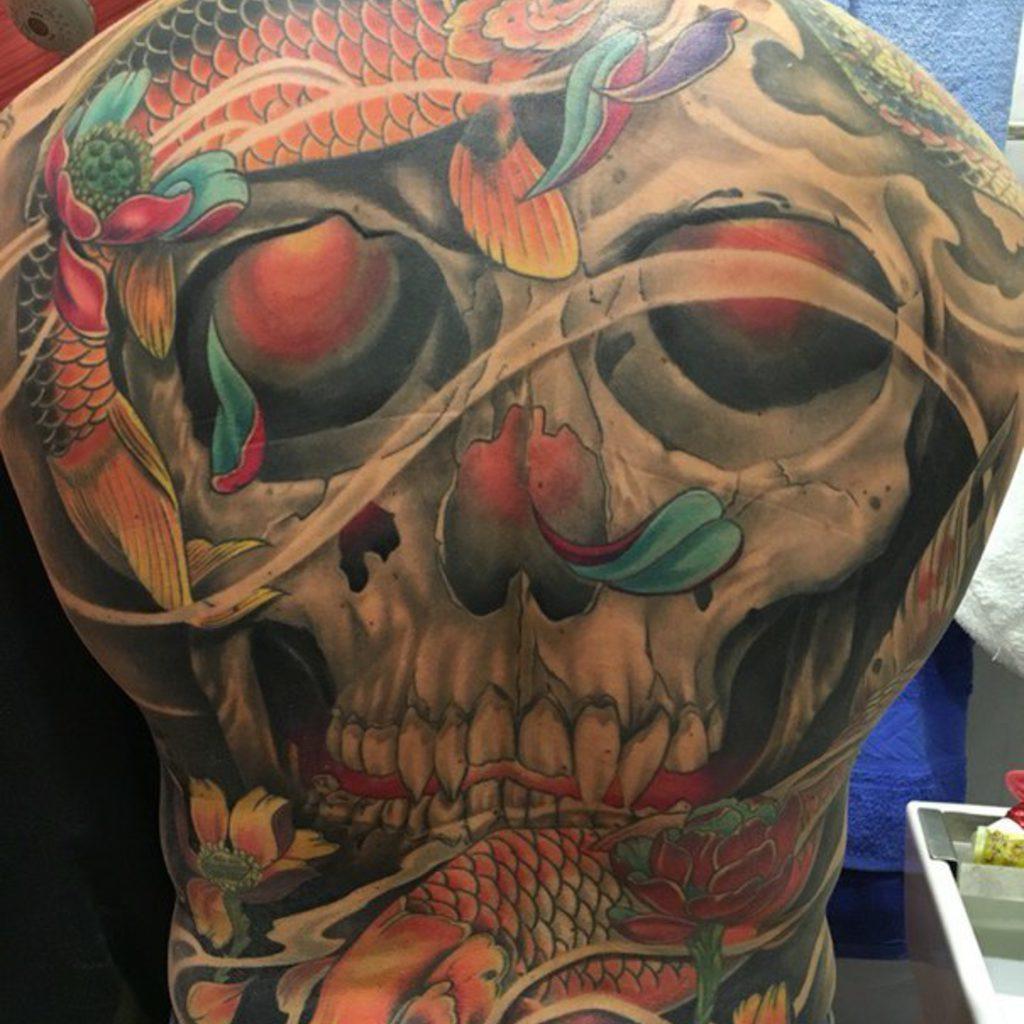 Тату черепа фото на спине
