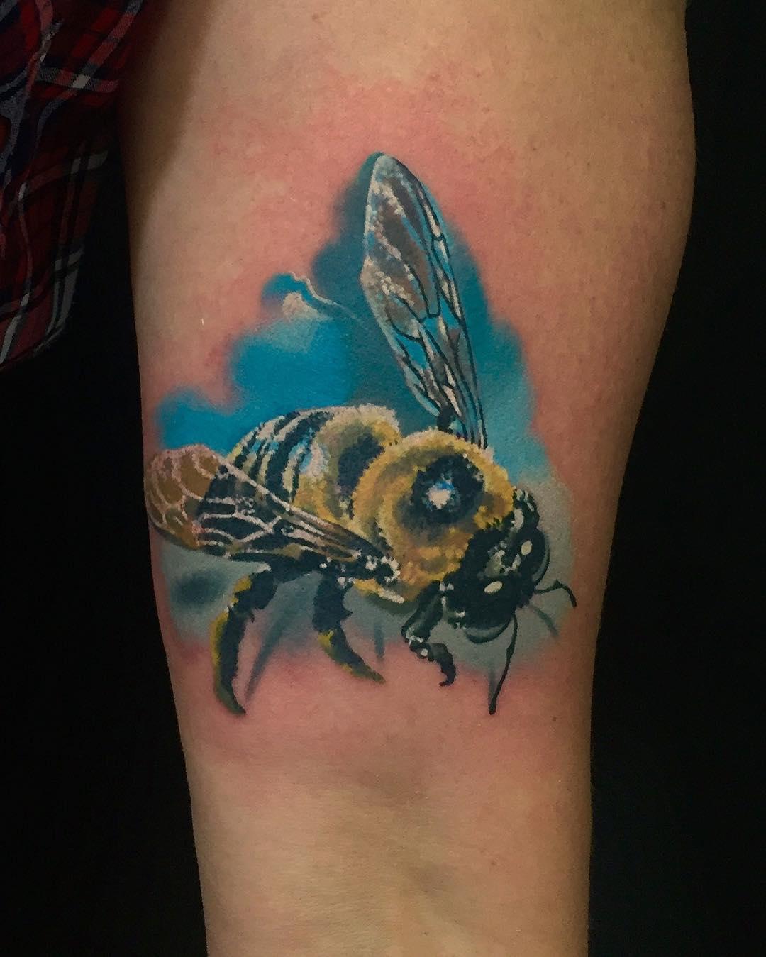 фотографии татуировок пчелы легкоступова прославилась только