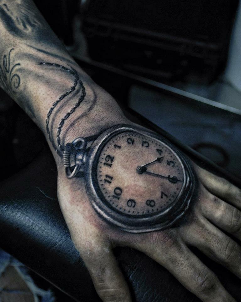 тату часы фото на руке кого
