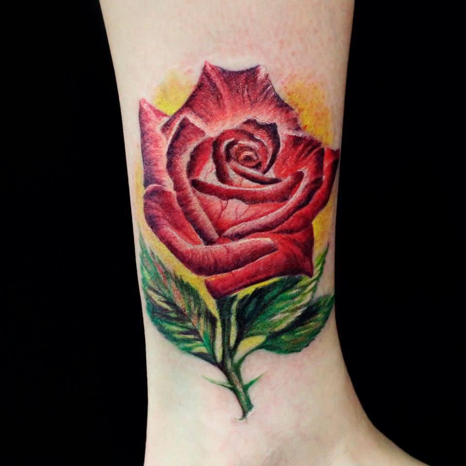 Роза тату на руке картинки