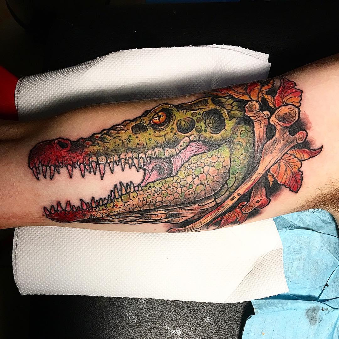 или фото тату крокодила роводится